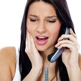 123rf.com nuotr./Moteris kalba telefonu