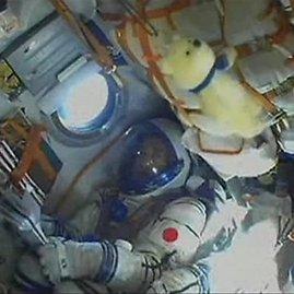 """Japonijos astronautas Koichi Wakata  """"Sojuz TMA"""" kapsulėje"""