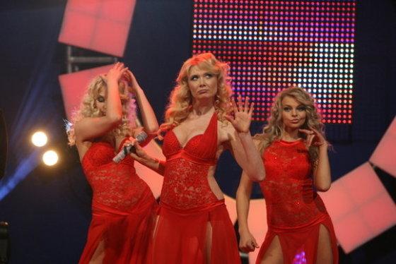 Ilgos raudonos suknelės