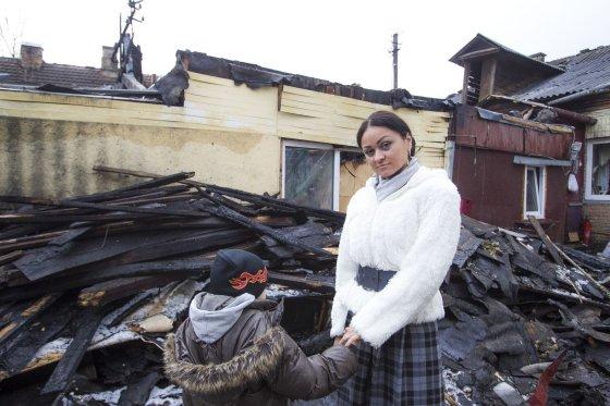 Irmanto Gelūno/15min.lt nuotr./Vilniuje, Kalvarijų gatvėje, gyvenusios Rožės namus sausio 14-ąją prarijo gaisras.