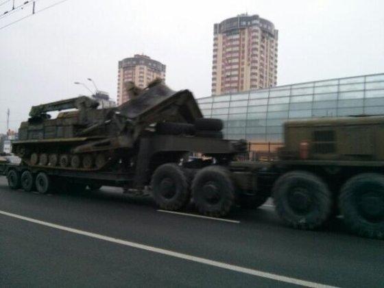 """Nuotr. iš """"Twitter""""/Ginkluotė juda Kijevo centro pusėn"""