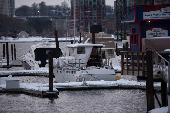 AOP nuotr./Michele Savoios jachta, iš kurios jis įkrito į vandenį ir nuskendo