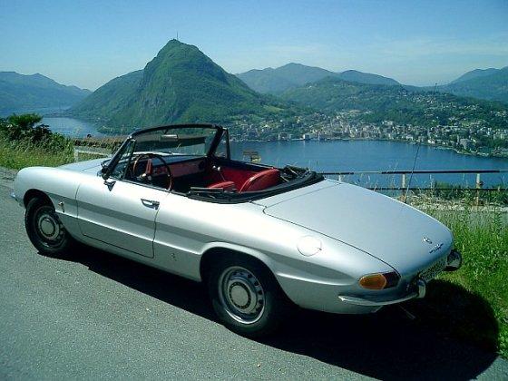 "Wikipedia.org nuotr./Pirmosios kartos ""Alfa Romeo Spider 1750"""