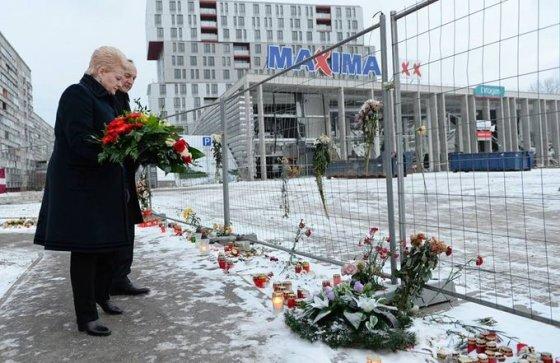 Prezidentūros nuotr./D.Grybauskaitė pagerbė aukas