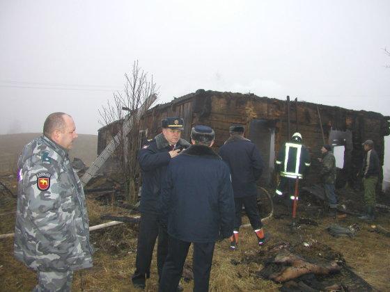 V.Danauskienės nuotr./Lazdijų rajono Miškinių kaime vykusios  išgertuvės baigėsi gaisru - sudegė trys žmonės