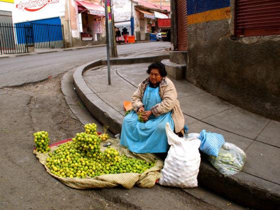 A.Kondrotaitės nuotr./Bolivija_La pazas -gatvės prekeivė