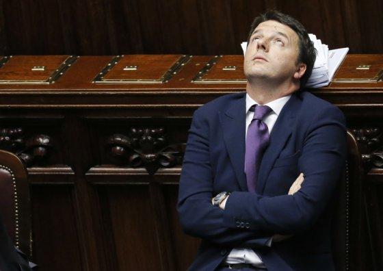 """""""Scanpix"""" nuotr./Matteo Renzi neturi kantrybės taikstytis su apkerpėjusiomis Italijos politikos konvencijomis"""