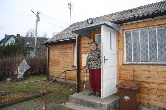 Ariogaloje gyvenanti S.Visockienė, pajutusi plėšikus, skambino sūnui į Londoną
