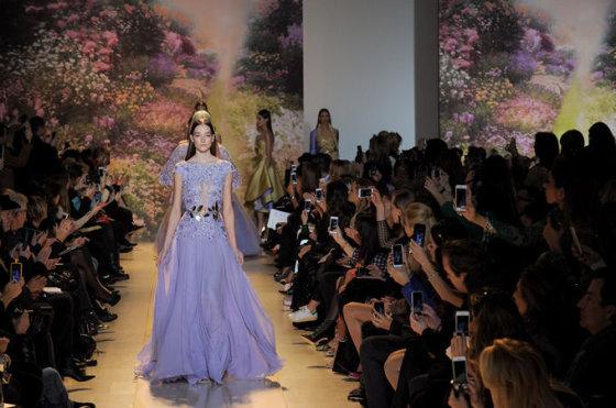 """""""Scanpix"""" nuotr./Libaniečių dizainerio Zuhairo Murado aukštosios mados kolekcija Paryžiuje"""