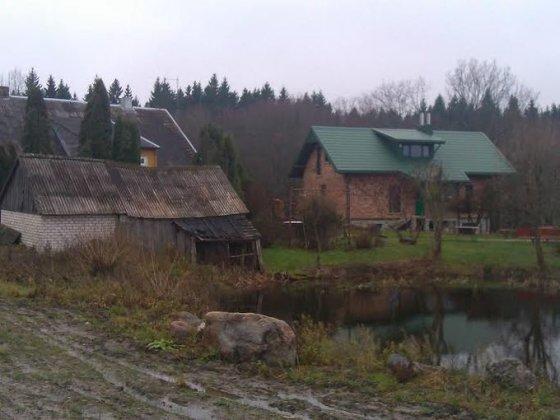 Namas ir ūkiniai pastatai