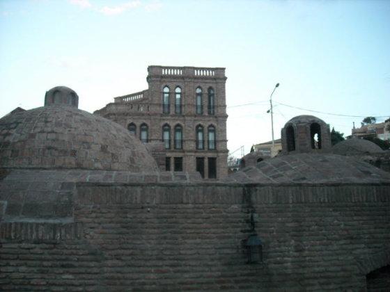 Senosios Tbilisio pirtys