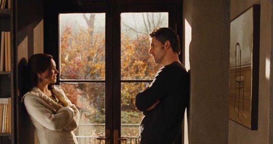 """Kadras iš filmo """"Keliautojo laiku žmona"""""""