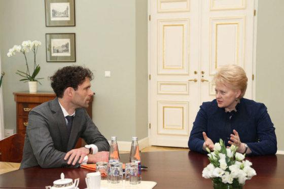 Prezidentūros nuotr./Šarūnas Keserauskas ir Dalia Grybauskaitė