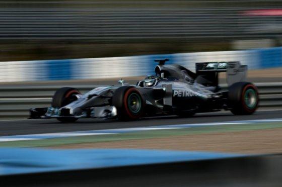 """""""Scanpix"""" nuotr./F-1 bolidų bandymai Jereze"""