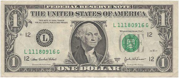 Silpnas doleris vilioja turistus į JAV.