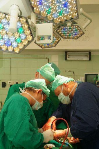 """""""15 minučių""""/Petro Katausko nuotr./Inkstų transplantacija Santariškėse"""