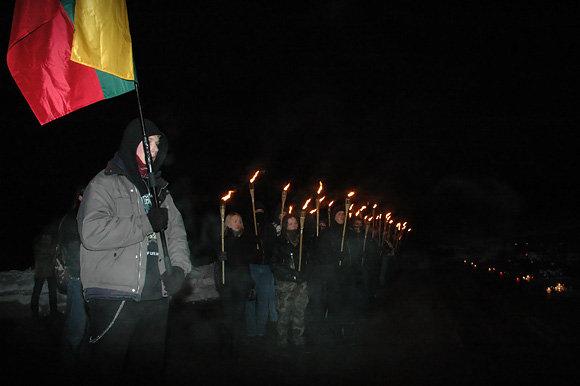 Vilniaus skinai pagerbė sausio 13-osios aukas.