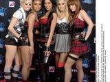 """""""Scanpix"""" nuotr./Į apdovanojimus atvyko visas """"The Pussycat Dolls"""" merginų penketukas. Jos susirinkusiems padovanojo dainą ir gavo tarptautinės metų grupės vardą."""