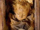 dailymail.co.uk nuotr./Mumifikuota dvejų metukų Rosalina, mirusi 1920 m.