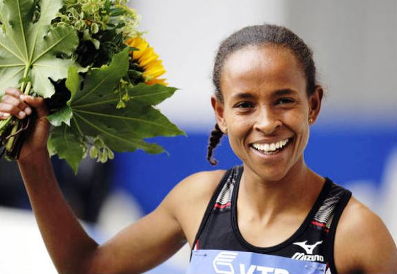 Berlin 2009 Day 05 - Meseret Defar And Genzebe Dibaba Advance to 5000M Final - HQ