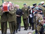 """AFP/""""Scanpix"""" nuotr./Afganistane žuvusios kapralės laidotuvės"""