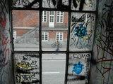 Andriaus Vaitkevičiaus/15min.lt nuotr./Vaizdas pro pastato Kristianijoje langą