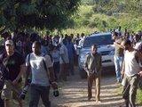 """""""Reuters""""/""""Scanpix"""" nuotr./Madonnos atvykimas į Malavį sulaukė didžiulio susidomėjimo."""