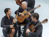 """Verkleinert nuotr./Los Romeros akustinių gitarų kvartetas """"Karališkosios gitaros šeima"""""""