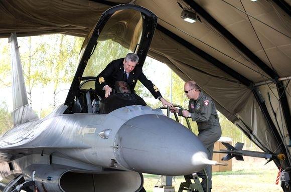 Alfredo Pliadžio nuotr./Lietuvoje vieai NATO karinio komiteto pirmininkas admirolas Džiampaolu Di Paola