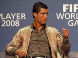 """AFP/""""Scanpix"""" nuotr./Norintiems rengtis panašiai į jį, Cristinao Ronaldo gimtojoje Madeiroje (Portugalija) yra įkūręs firminę savo parduotuvę CR7."""