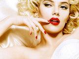 AOP nuotrauka/Scarlett Johansson ir Marilyn Monroe. Jos iš tiesų labai panašios