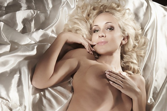 Oksana Pikul nesigėdija savo nuogo kūno.