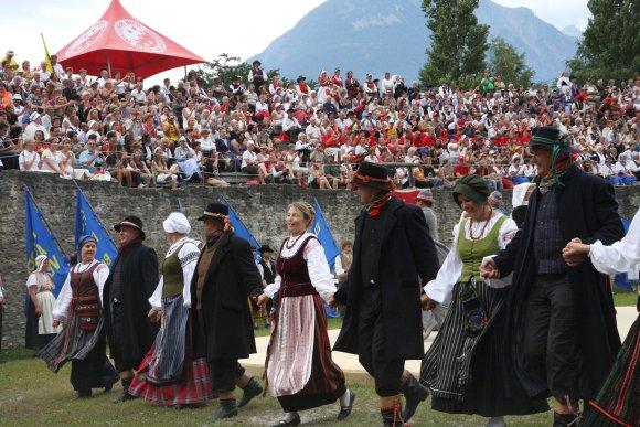 """Pernai """"Europiada"""" vyko Šveicarijos mieste Martinji. Klaipėda yra 25-asis miestas, kuriam šiemet suteikta garbė priimti tarptautinį festivalį."""