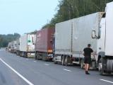 BFL nuotr./Vilkikų eilės abipus Latvijos-Rusijos pasienio driekiasi po 15 km.