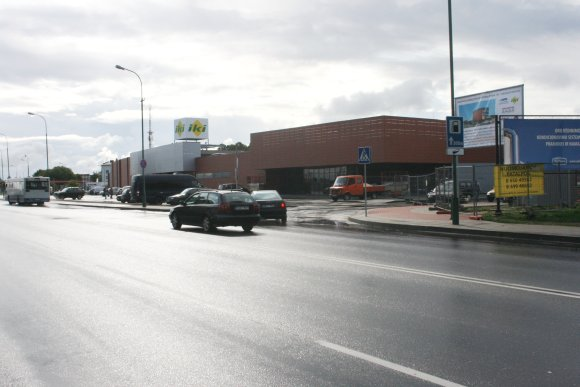 G.Kubiliūtės nuotr./Nuo aios savaitės naujojoje autobusų stotyje pradėjo veikti prekybos centras.
