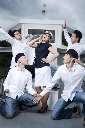Gedmanto Kropio nuotrauka/Viktorija Perminaitė su šokėjais