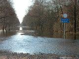 Andriaus Vaitkevičiaus/15min.lt nuotr./Potvynis. Užlietas kelias