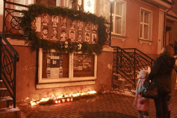 G.Kubiliūtės nuotr./Klaipėdiečiai pagerbė per sausio 13-ąją žuvusius lietuvius.