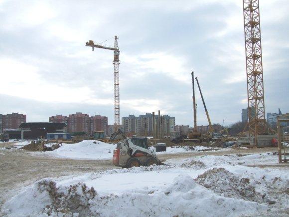 G.Kubiliūtės nuotr./Arenos statybos atsilieka keliomis savaitėmis.