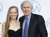 Scanpix nuotr./Tik santuokoje su Suzy Amis režisierius Jamesas Cameronas pasijuto laimingas.