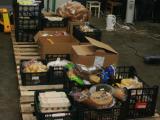 """J.Andriejauskaitės nuotr./Į """"Maisto banko"""" sandėlį besibaigiančio galiojimo produktai atkeliauja ir iš prekybos centrų, ir iš gamintojų."""