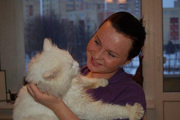 Katinas Grantas ir jo šeimininkė Ieva