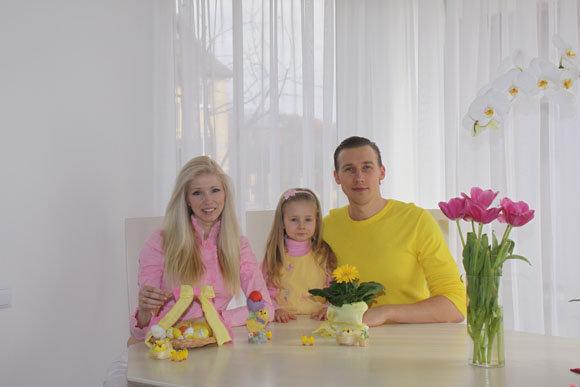 Aivaras Stumbrys ir Inga Stumbrienė su dukra