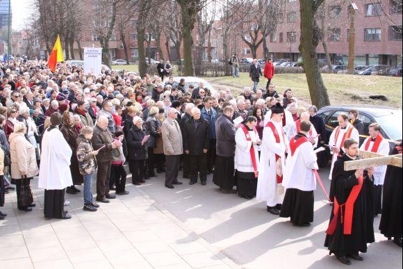 J.Andriejauskaitės nuotr./Daugumą procesijos dalyvių sudarė senjorai.