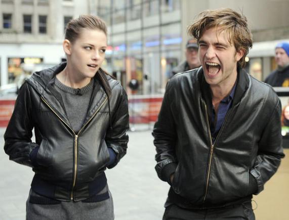 Scanpix nuotr./Žiniasklaida Kristen Stewart nuolat poruoja su Robertu Pattisonu.
