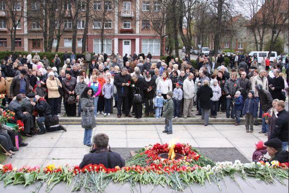 J.Andriejauskaitės nuotr./Gegužės 9 minėjimas Klaipėdoje kasmet vyksta prie žuvusiųjų memorialo.