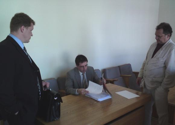 Sauliaus Chadasevičiaus/15min.lt nuotr./Milijonieriams byloje atstovavo (ia kairės) V.Rakauskas, RST interesus gynė D.Kimsa, o žiūrovo teisėmis dalyvavo V.Vozbutas.