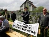 Alaus Koroliovo nuotr./Minia prie Kedžių namo