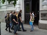 Sauliaus Chadasevičiaus/15min.lt nuotr./Palaikyti E.Girskio į teismą atvyko būrys jaunuolių.
