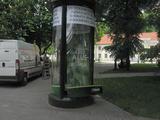 JCDecaux nuotr./Išplėšta reklaminė kolona Vilniuje